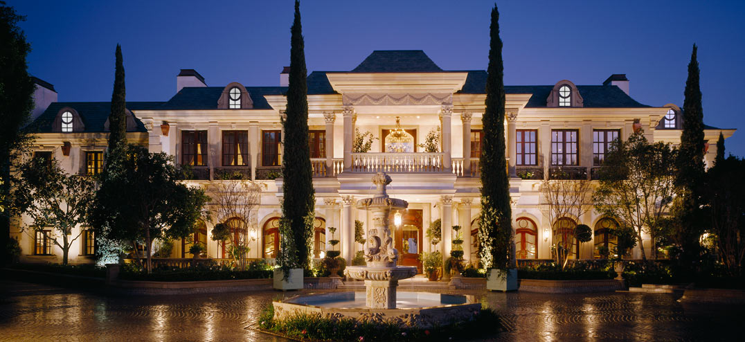 A mansion or luxury home in St. Louis, MO