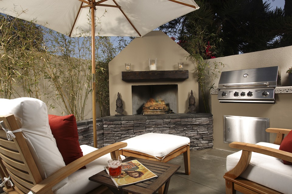 Luxurious outdoor kitchen from Outdoor Cooking Pros