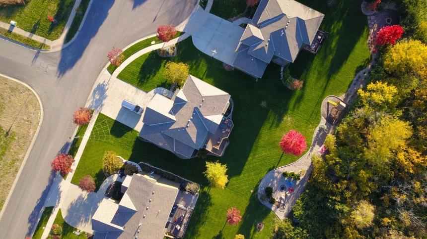 overhead view of houses in nice neighborhood
