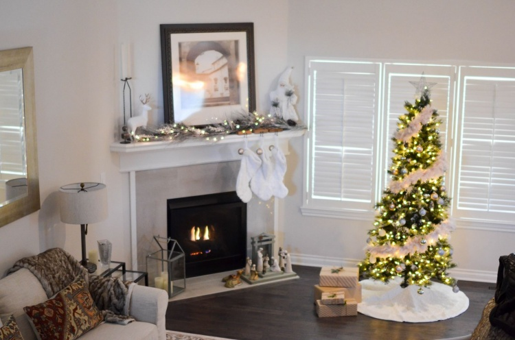 holiday decor home staging